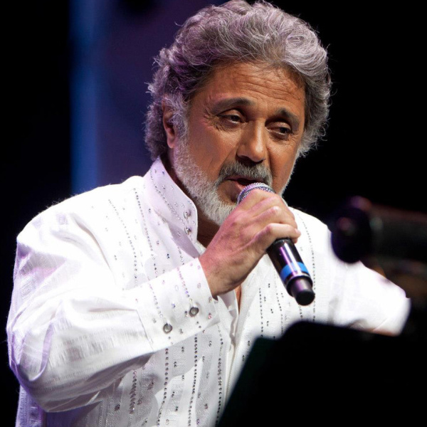 Dariush - Faryad Zire Abb (Live)