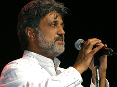Dariush - Cheshme Man (Live At Gibson Amphitheatre)