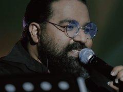 Reza Sadeghi - 'Meshki Range Eshghe (Live)'