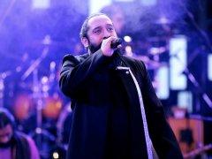 Roozbeh Nematollahi - Mellate Eshgh (Live)