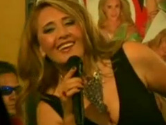 Nooshafarin - Asheghaneh (Feat Shahryar)